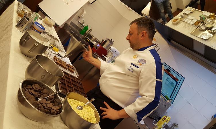 Corso pasticceria e cioccolateria Chef Matteo Zanardi: Mousse, Baveresi e Chibouste